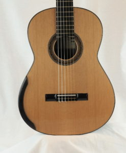 Kim Lissarrague luthier classical guitar No 335 19LIS335-01