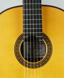 Masaki Sakurai Maestro-RF luthier classical guitar Masuri Kohno